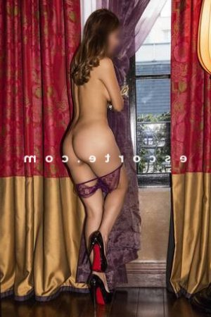 Mahawa escorte massage érotique à Bayonne
